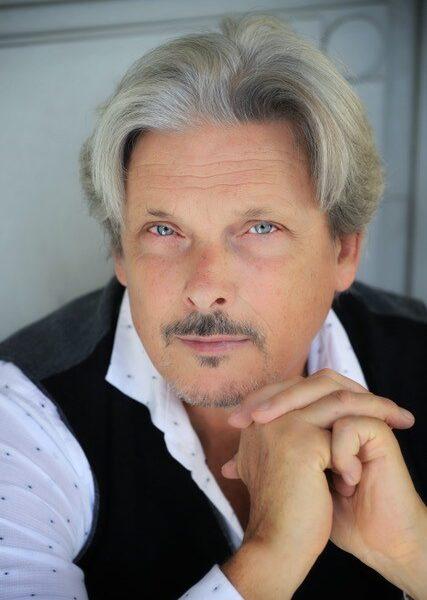 Nicolas Cavallier, bass-baritone