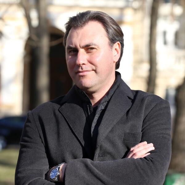 Vitaliy Bilyy, baritone