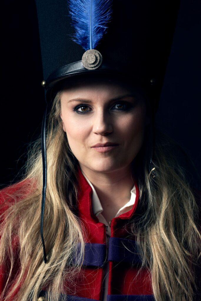 Lina Johnson in La fille de regiment